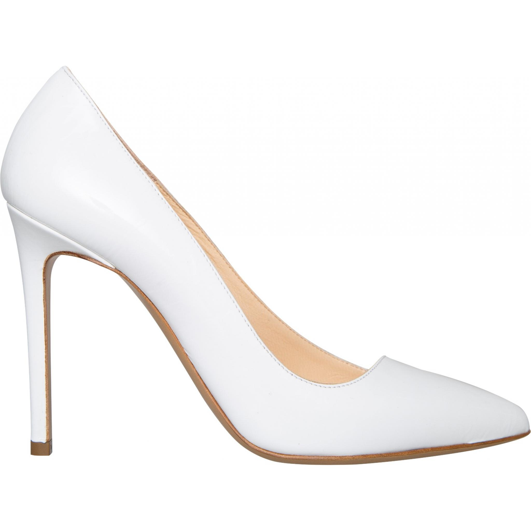 High-Heels in Lackleder mit schrägem Zehenkappendesign-0