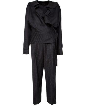 Anzug in Wolle aus Wickeloberteil mit Volant und Hose im geraden, weiten Schnitt-0